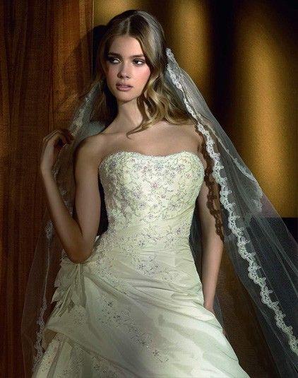 Bianca - Pronovias - Esküvői ruhák - Ananász Szalon - esküvői, menyasszonyi és alkalmi ruhaszalon Budapesten