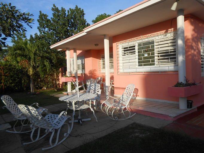 Casa Manolo   Owner:                   Claudia Martha Pérez Hernández Place:                     Cienfuegos Address:                 Calle 39 No.1002 entre 10 y 12 Punta Gorda, Cienfuegos, Cuba