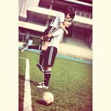 Resultado de imagen para boyfriend and girlfriend soccer goals