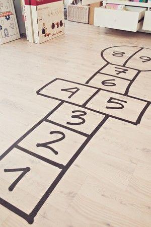 rusta upp -: Kids Rooms Decor, Hopscotch Playrooms, Indoor Hopscotch, Plays Rooms, Floors Decals, Hopscotch Floors, Fun Ideas, Playrooms Floors, Fun Playrooms