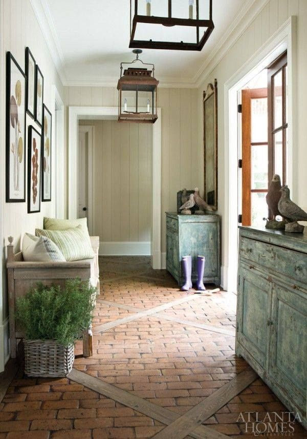 Interesting floor. Love the brick and wood combo. Maybe for the courtyard?