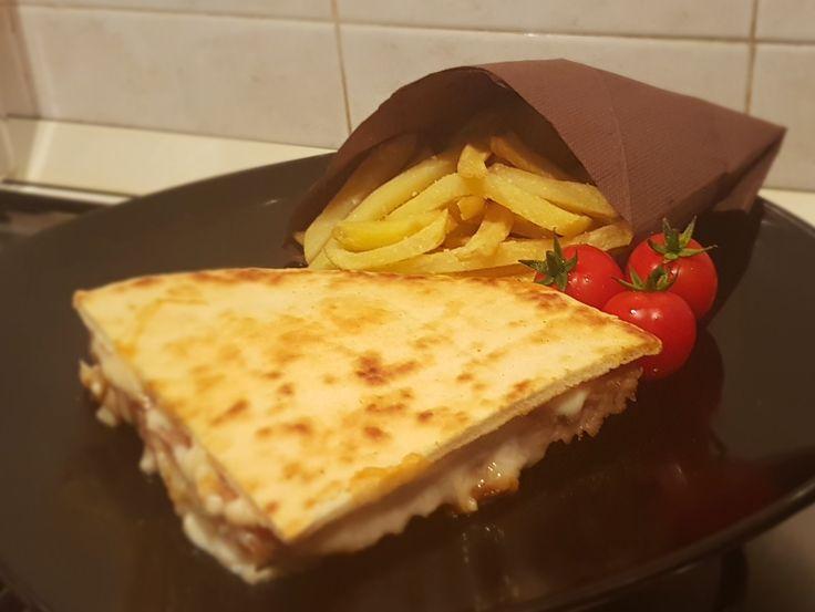 Hamburger in pita bread