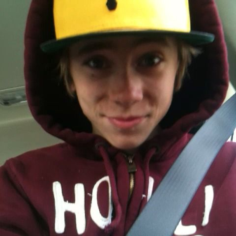 Hi Foooers! I'm new here, what is this? Haha love you! #foooers / Felix Sandman (Aww... <3)