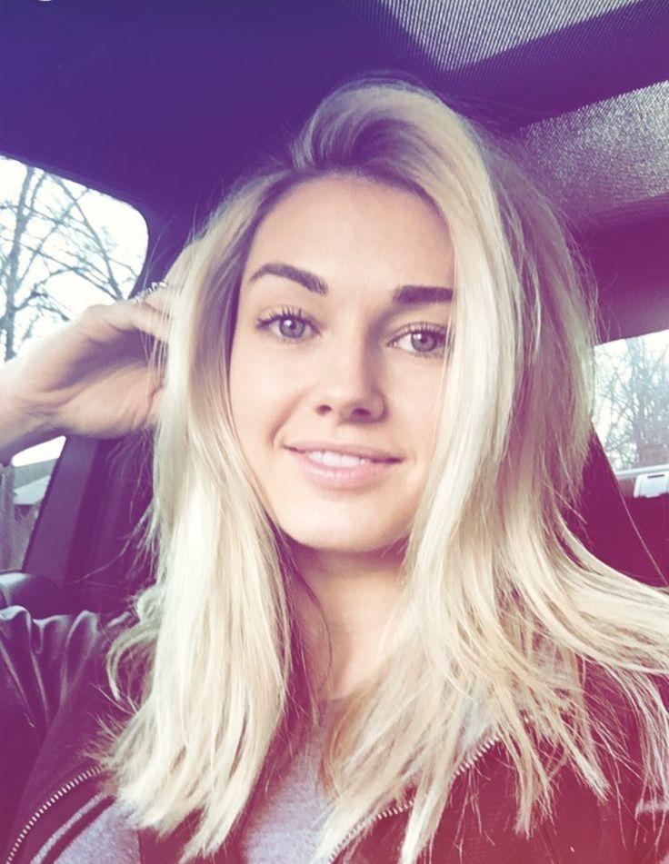 Lindsey Arnold hair