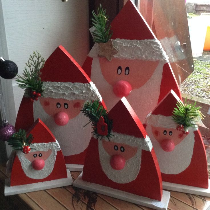 Weihnachtsmänner, Nikoläuse aus Holz