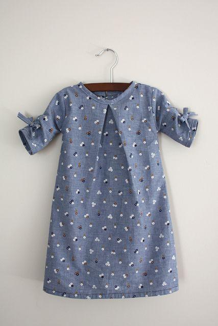 Schönes Kinderkleid....
