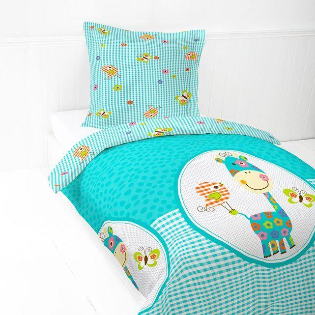 Parure de lit enfant girafe bleue I FIL HOME : prix, avis & notation, livraison.  Parure de lit enfant 100% coton, 57 fils/cm². Taie carrée finition volants. Housse de couette réversible, finition boutons Vendue en lot : 1 housse de couette 140 x 200 cm 1 taie d'oreiller. Nous vous conseillons d'assortir cette parure de lit enfant avec le drap housse Happy bleu.