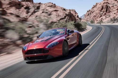 Aston Martin V12 Vantage S Roadster High-Res Photo