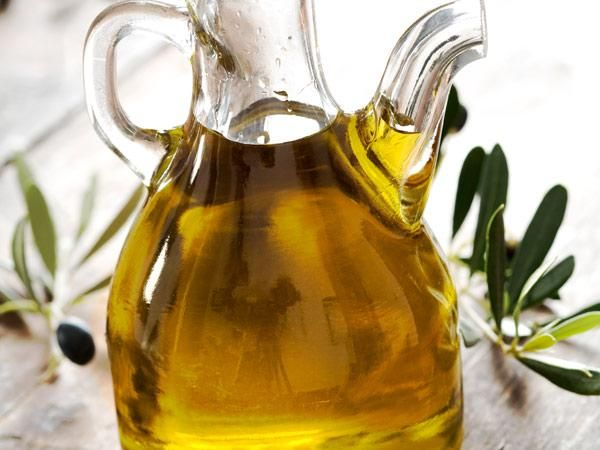 The 25 Best Foods For Your Heart: Olive oil http://www.prevention.com/health/health-concerns/best-foods-heart-health?s=26&?cm_mmc=MSN-_-PVN_News-_-The%20Best%20Reason%20To%20Eat%20An%20Apple%20Right%20Now-_-25%20Best%20Foods%20For%20Your%20Heart%20RL