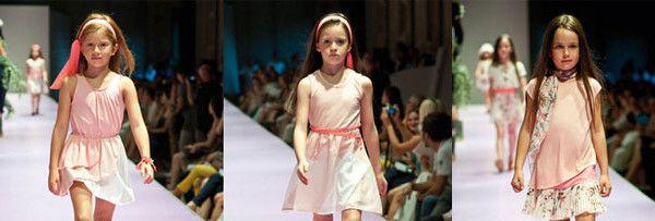 Illudia brand specializzano negli abiti da bambina, presenta una collezione primavera-estate 2013 caratterizzata dalle forme leggere e i colori tenui.