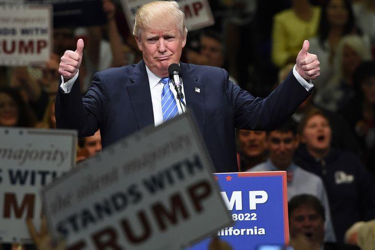 """Trump in netta rimonta su Clinton nei sondaggi: il miliardario apprezzato negli """"swing state"""" - http://www.sostenitori.info/trump-netta-rimonta-clinton-nei-sondaggi-miliardario-apprezzato-negli-swing-state/254244"""