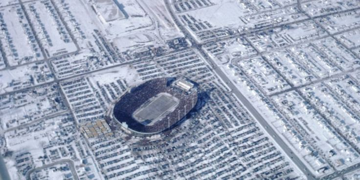 Richard Jerow of Kaukauna wanted to see what the NFL Championship Game looked like from 10,000 feet. No matter that the temperature at Austin Straubel Airport in Green Bay was 17 below zero.