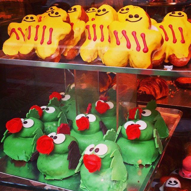 Celebration of Sant Jordi in Barcelona's bakeries