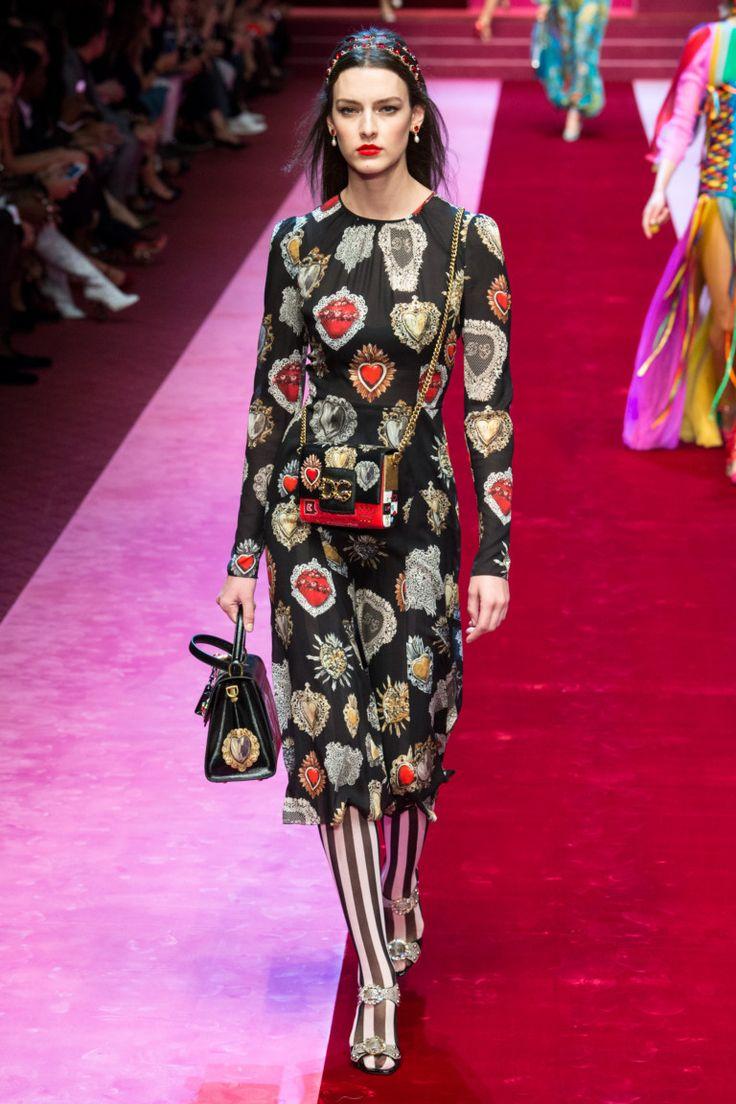 Dolce & Gabbana весна-лето 2018 (Интернет-журнал ETODAY)