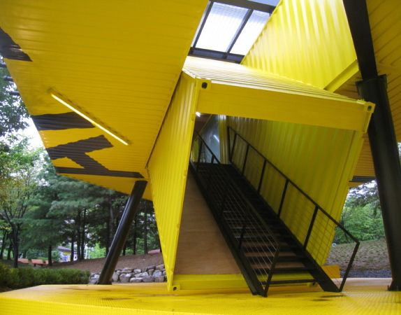 Apap Open School in South Korea made from recycled shipping containers
