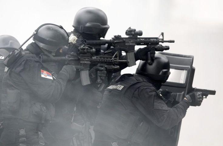 """Serbskie siły specjalne podczas antyterrorystycznych ćwiczeń """"Shield 2015"""""""