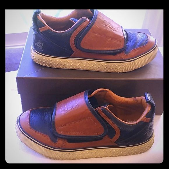 L.A.M.B. leather sneakers L.A.M.B leather sneakers. Size 7. Like new condition, except no insoles, but you can easily put some in. Beautiful sneakers!! Ask if you'd like to see more pics! L.A.M.B. Shoes Sneakers