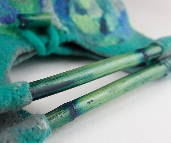 felted bag with bamboo handles