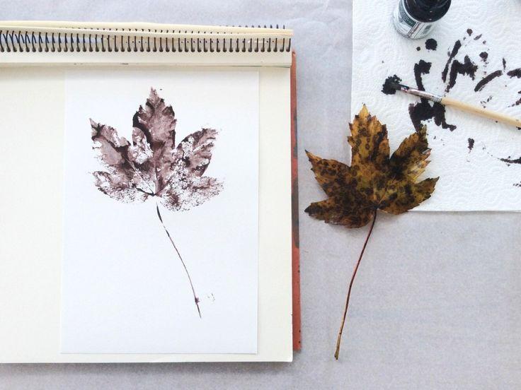 Herbstblätter drucken // Anleitung von knobz