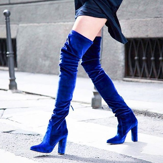 Meet @aquazzura designer #EdgardoOsorio and shop the collection, today at 5pm in the shoe salon. Our must have? These blue velvet boots