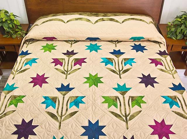 North Carolina Lily Quilt -- marvelous ably made Amish Quilts from Lancaster (hs5429)