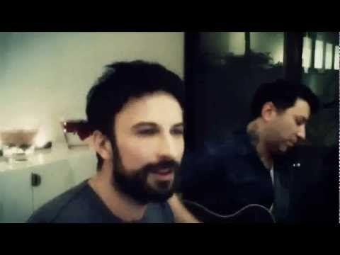 ▶ Tarkan - Sevgililer Günü 2013 - YouTube