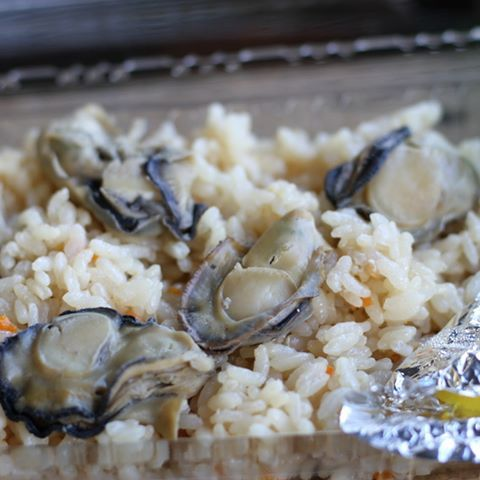 【kairyu15】さんのInstagramをピンしています。 《一人焼き牡蠣in糸島 勇者と言われました #福岡 #fukuoka #糸島 #itoshima #海 #ocean #牡蠣 #カキ #カキ小屋 #牡蠣小屋 #oyster #oysterhouse #美味 #牡蠣めし #oysterrice #一眼レフ #一眼 #一眼レフカメラ #canon #キヤノン #eos7d #イオス #ファインダー越しの私の世界 #カメラ好き #カメラ好きな人と繋がりたい #たくあん #キングダム新刊でたね》
