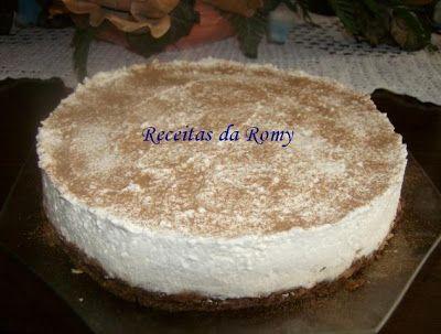 Semifrio de café com requeijão e mascarpone http://receitasdaromy.blogspot.pt/2009/11/semifrio-de-cafe-com-requeijao-e.html