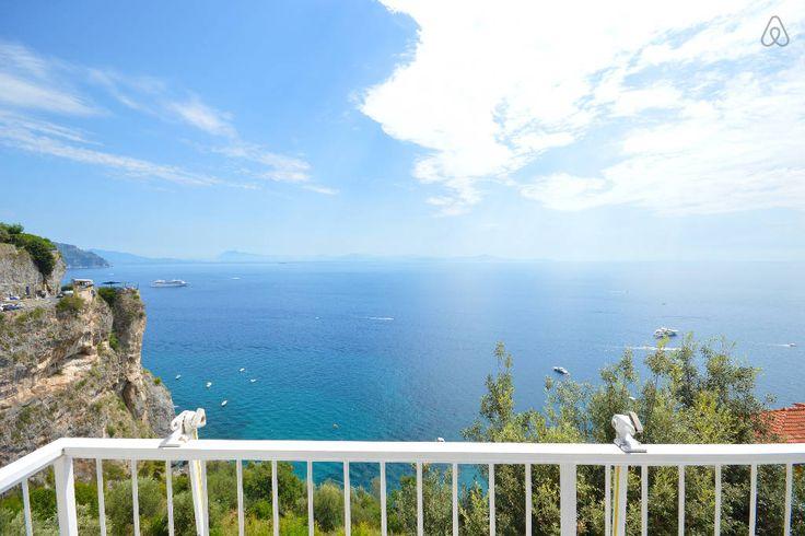 Dai un'occhiata a questo fantastico annuncio su Airbnb: Sea View apt with balcony in Amalfi a Amalfi www.divineamalfi.it