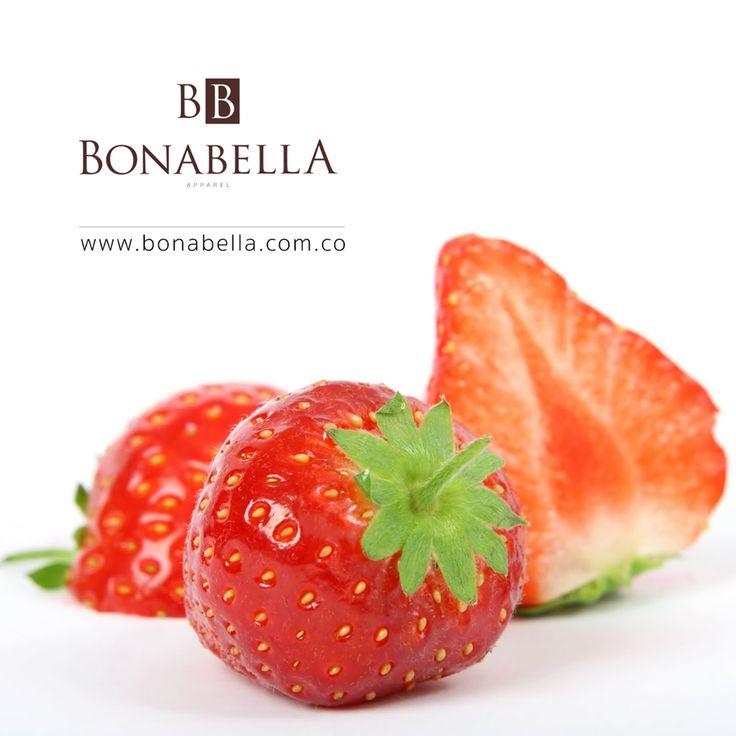 ¿Sabías que la fresa solo aporta 30 calorías? Si estas pensando en iniciar un dieta, te invitamos a agregar a tu alimentación esta deliciosa y ligera fruta.