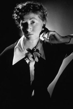 marianne moore bird witted Definition of bird-witted in the definitionsnet dictionary meaning of bird-witted what does bird-witted mean information and translations of bird-witted in the most comprehensive dictionary definitions resource on the web.