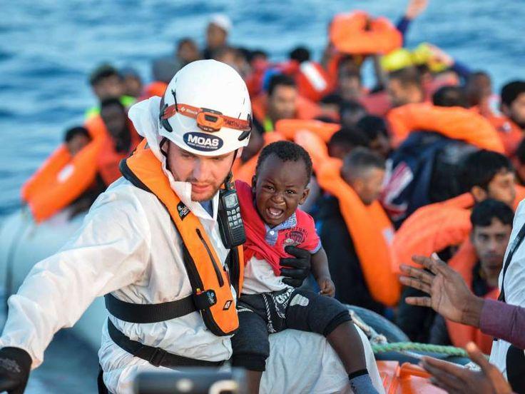 Italiaanse kustwacht redt weer 1.500 migranten op Middellandse Zee