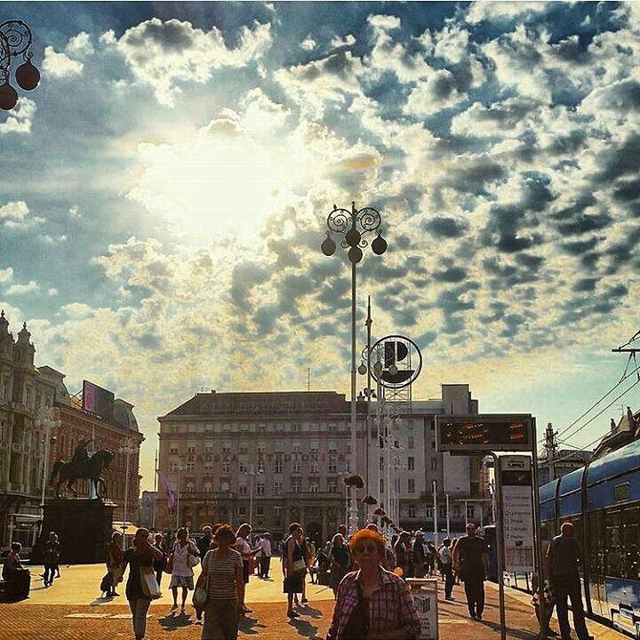 Sunny day in Zagreb  #zagreb #zagrebcity #croatia #hoteldubrovnik #hotels #hotel #instatravel #trg #location #clouds #cloudporn #travelandleisure #dubrovnik by hotel_dubrovnik_zagreb   dubrovnik-croatia.com