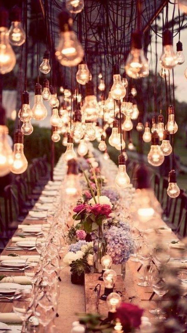 Inspiration déco: Garden-party | Les idées de ma maison ©Crédit photo: Polskie Smaki #deco #gardenparty #fleurs #exterieur #ambiance #lumiere