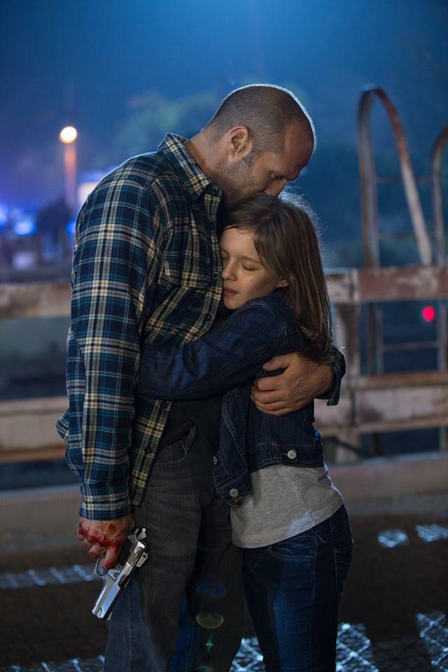 Jason Statham em Linha de frente... Muito bom o filme, amei ele de super pai...