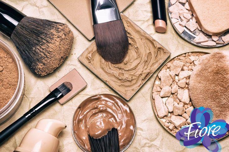 La paleta de colores de la temporada se basa en los colores naturales, con acentos durazno para el día y chocolate para la tarde o noche