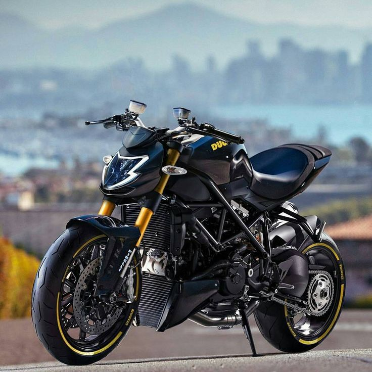 25 best ideas about ducati streetfighter s on pinterest ducati prices ducati motorcycles. Black Bedroom Furniture Sets. Home Design Ideas