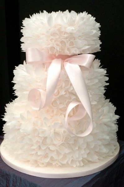 .wow...: White Chocolates, Weddings, Pink Ribbons, Ruffles Cakes, Wedding Cakes, White Cakes, Beautiful Cakes, Cakes Wedding, Weddingcak