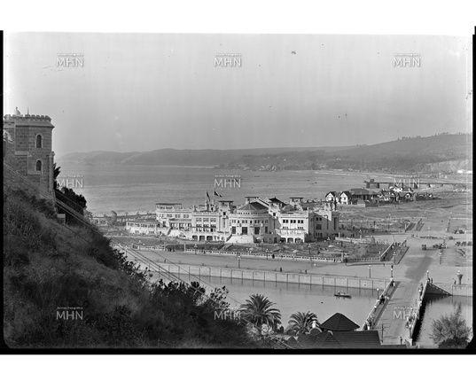 Casino de Viña del Mar visto desde el Cerro Castillo  --   1930  --  Fotog.: Einar Altswager  --  M.H.N.