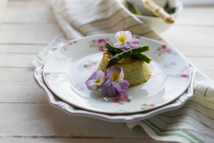 Il Flan di asparagi è una ricetta stagionale, che vi consiglio di preprarare con gli asparagi freschi e se riuscite a trovarli con gli asparagi di bosco che sono ancora più ricchi di gusto.Il tortino …