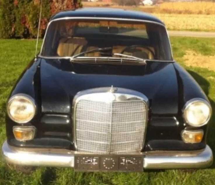 Mercedes 200 Benzin 1966 Oldtimer Restaurationsobjekt Voll fahrbereit
