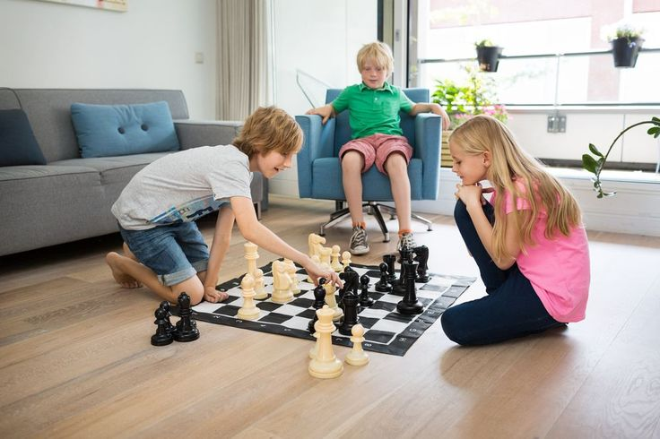 Speel deze XL versie van schaken binnen of buiten!