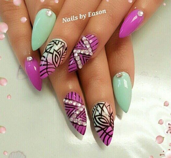 ногти миндальной формы  розовые Almond shape nails
