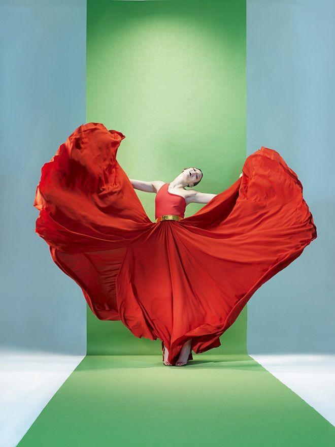 Georgina Stojiljkovic By Sophie Delaporte For Les Echos Magazine June Editorial Color Block Dress Lanvin RTW Spring Complimentary Colors