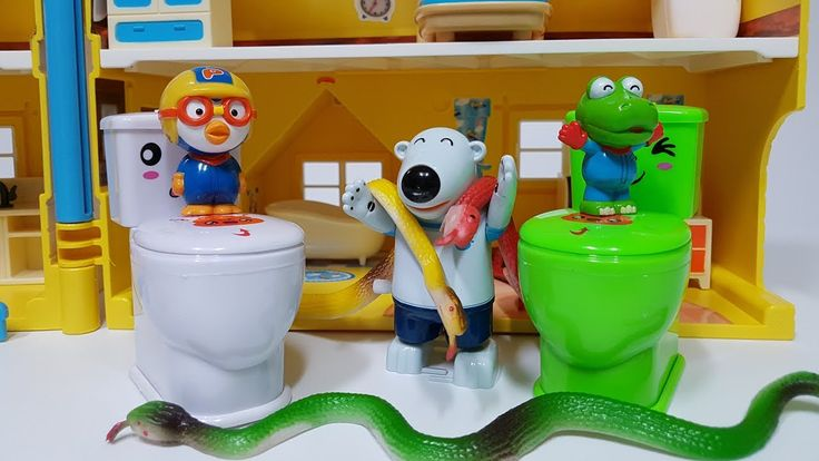 Pororo House and Toilet Snake Toy Play