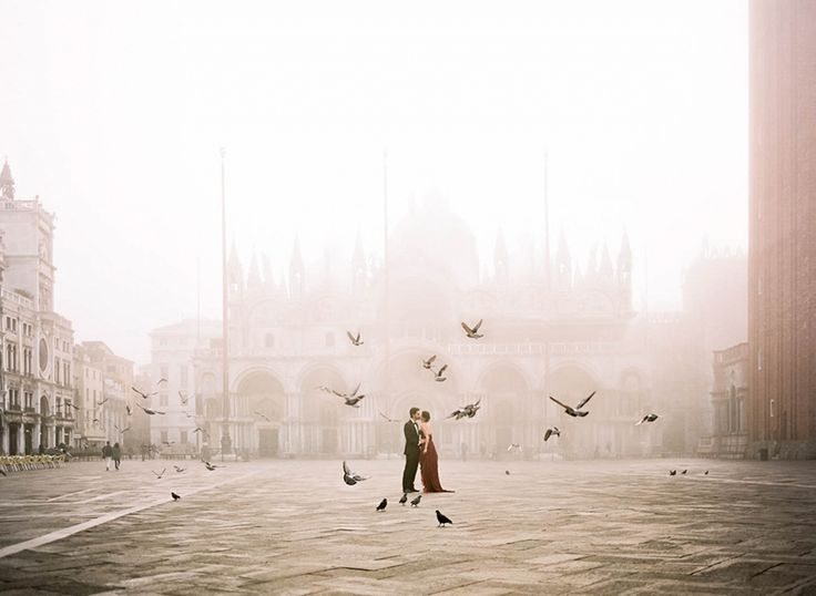 Photos of Lovers Around the World Guaranteed to Inspire Wanderlust Venice, Italy