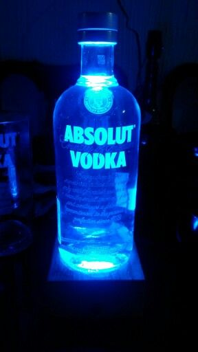 Lampara Absolut Vodka Luz Led Azul Lamparas De Botellas