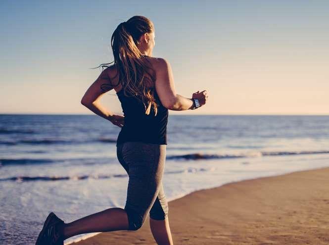 Какой фитнес точно не навредит нашему организму, чем опасна скандинавская ходьба с палками и беговая дорожка – об этом в своей колонке для Marie Claire рассуждает остеопат и краниопостуролог Владимир Животов.