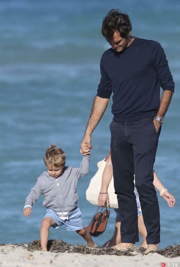 2017 Roger Federer and son