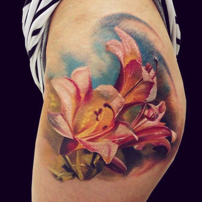 Flower Tattoo. Artist Dominik Szymkowiak. Artline studio. www.arttattoo.pl